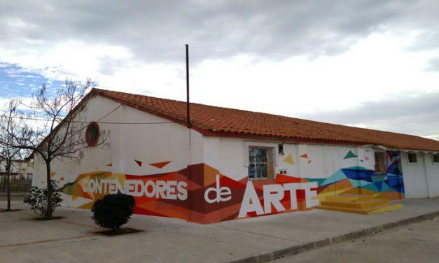 Vídeo Mural colaborativo con jóvenes. Contenedores de Arte 2015. Villanueva del Fresno