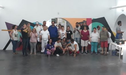"""Mural colaborativo con lxs chicxs de """"Inclusives"""" Vva. de la Serena, Badajoz"""