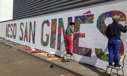 Mural colaborativo, semana cultural IESO San Ginés. Villanueva del Fresno, Badajoz